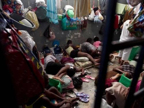 Programme de Santé Féminine  pour les filles et femmes détenues  de la Prison Centrale de Kondengui à Yaoundé au Cameroun