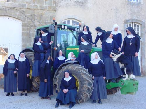 A l'Abbaye de Boulaur, une grange cistercienne pour le XXIème siècle.
