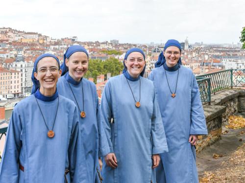 Un (petit) oratoire pour le petit monastère des petites sœurs de l'Agneau à Lyon