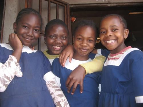 Pour une école , centre d'animation d'un quartier populaire à Bafoussam (Cameroun)