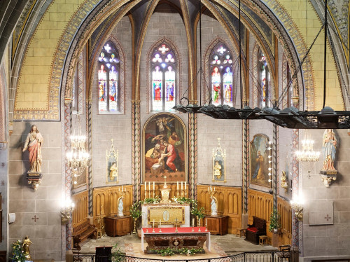 Aménagements du choeur de l' église du  Saint Sacrement de Laroque d'Olmes