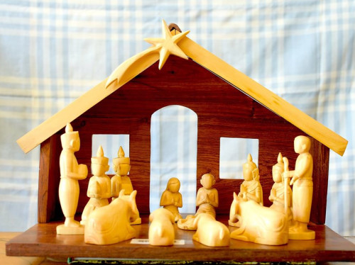Let's support the purchase of an original Khmer Nativity scene for the people of Phnom Penh!