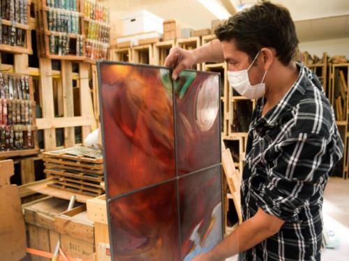 Sauvons un atelier de Maîtres-Verriers, spécialisé dans la création de vitraux d'église!