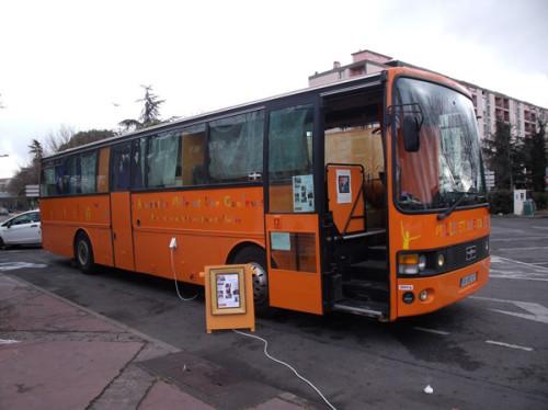 Sauver le Bus des Mille et Une Couleurs
