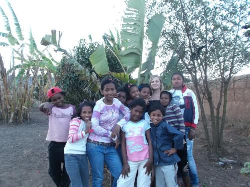AIDE A LA VIE QUOTIDIENNE ET SOUTIEN SCOLAIRE DANS UN ORPHELINAT A MADAGASCAR