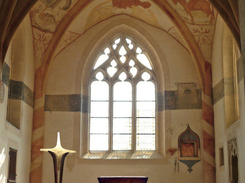 Création artistique d'un mobilier liturgique contemporain