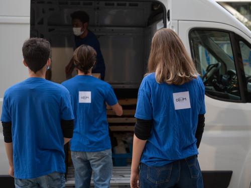 Distributions de paniers alimentaires gratuits aux étudiants précaires
