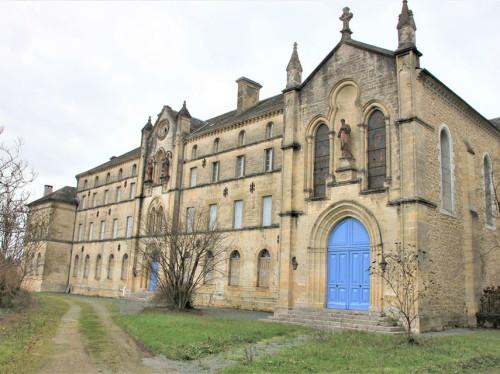 Prêtez au couvent Saint Paul à Thiviers
