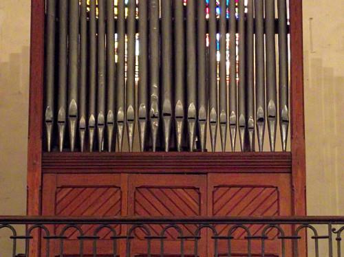 Mise en valeur de l'orgue de l'église des Mées (Alpes de Haute Provence)