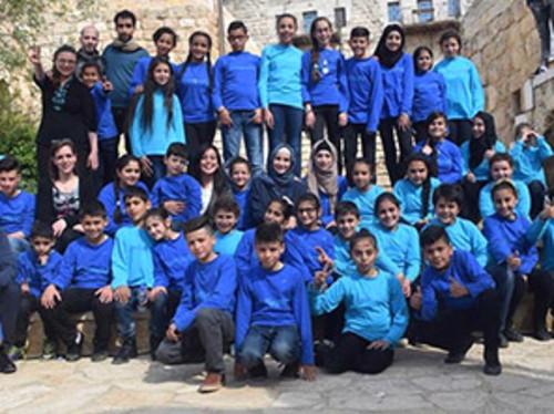 Permettez à de jeunes palestiniens de venir chanter en France !