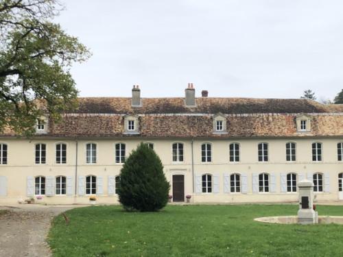 Un internat catholique dans une ancienne abbaye cistercienne du XVIIIème siècle pour accueillir les étudiants étrangers dans le cadre de Frassati-International
