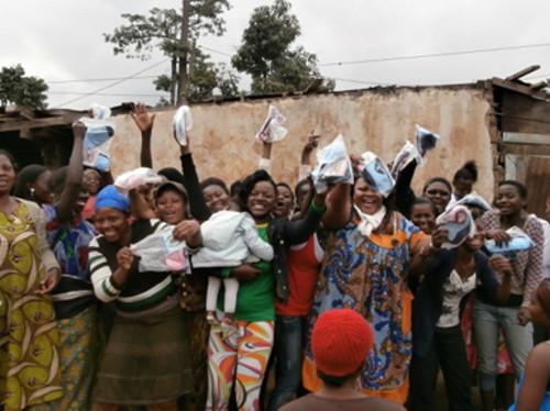 Confection de serviettes hygiéniques lavables - Cameroun