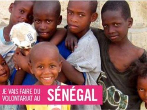 Des élèves de première ST2S (bac sanitaire et social) d'un lycée dijonnais s'engagent auprès des enfants des rues au Sénégal