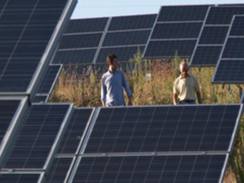 Film documentaire: terres agricoles ou production solaire ?