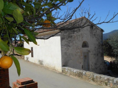 Corse-Rénovation de l'A Ghjesgiola (la petite église) d' Eccica-Suarella
