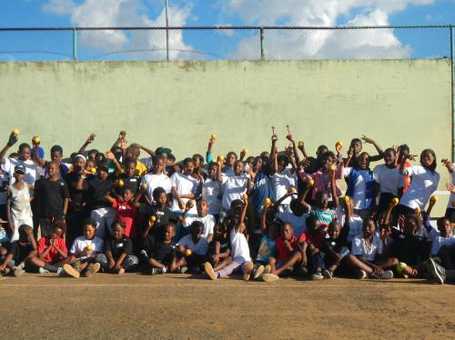 Des baskets et un tee-shirt pour les orphelins d'Afrique du Sud.