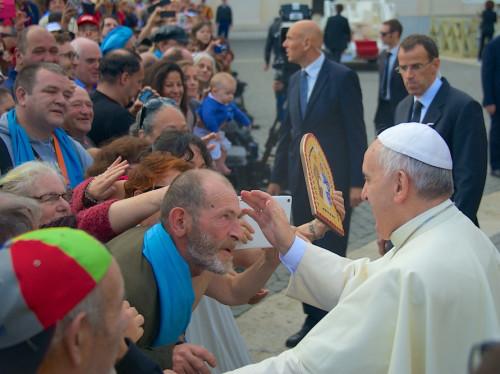 Le Pape François invite à Rome les pauvres de toute l'Europe !