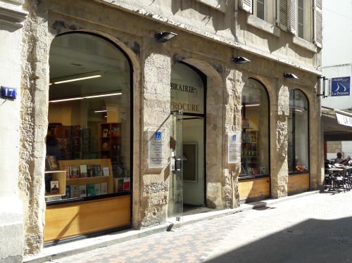 Je prête main forte à la Librairie Valentinoise (La Procure) !
