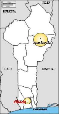 L'antenna di Bembéréké e la casa madre de la radio a Allada