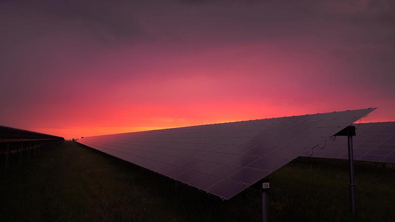 Le crowdfunding peut-il augmenter la part d'énergie solaire en Afrique rurale ?