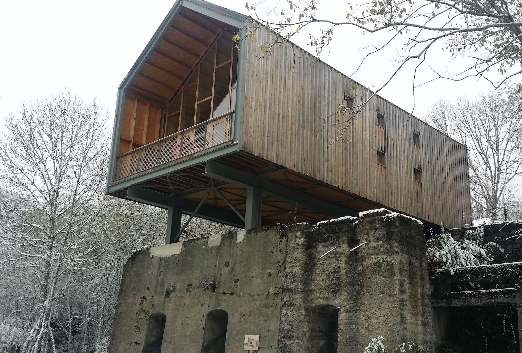 Les Cabanes de Bois basalte