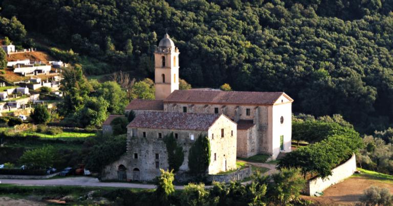 Rénovation du chœur de l'Eglise Saint-François, à Sainte-Lucie de Tallano, Corse du Sud
