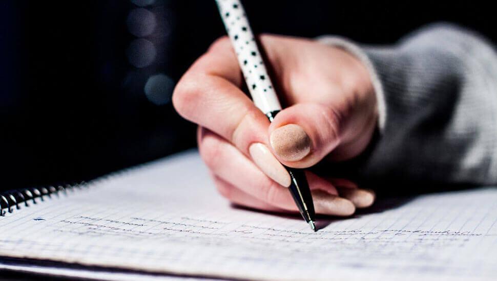 Hur du blir en bättre skribent! 9 tips som förbättrar ditt skrivande