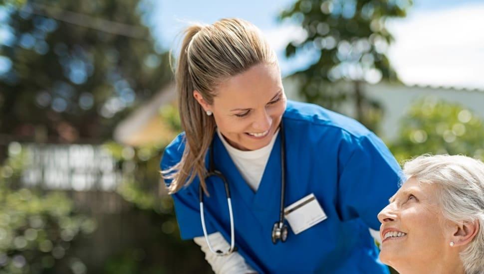 Vill du arbeta och utbilda dig inom vård och omsorg?