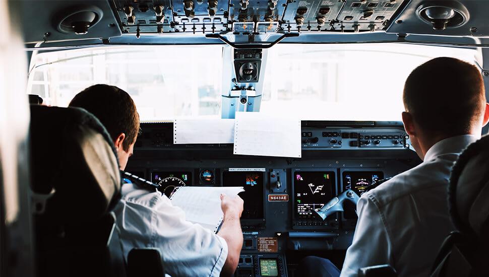 Så utbildar du dig till pilot i Sverige