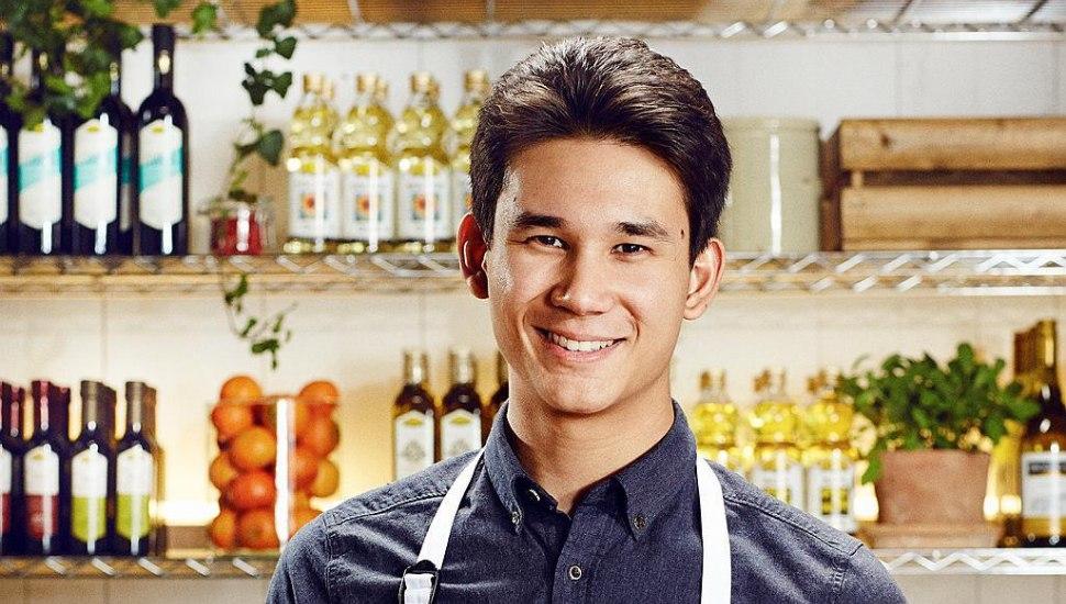 Filip Poon valde mellan att studera till läkare eller att bli kock