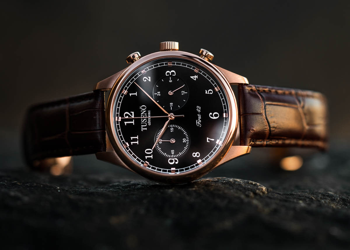 watch-in-gold-and-rose