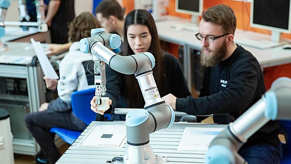 Samarbetet mellan människa och robot - börjar i klassrummet