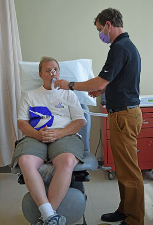 Dr. Shafer performing a metabolic test