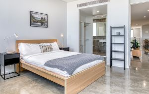 rooms and apartments for rent in singapore, hmlet master room interior view