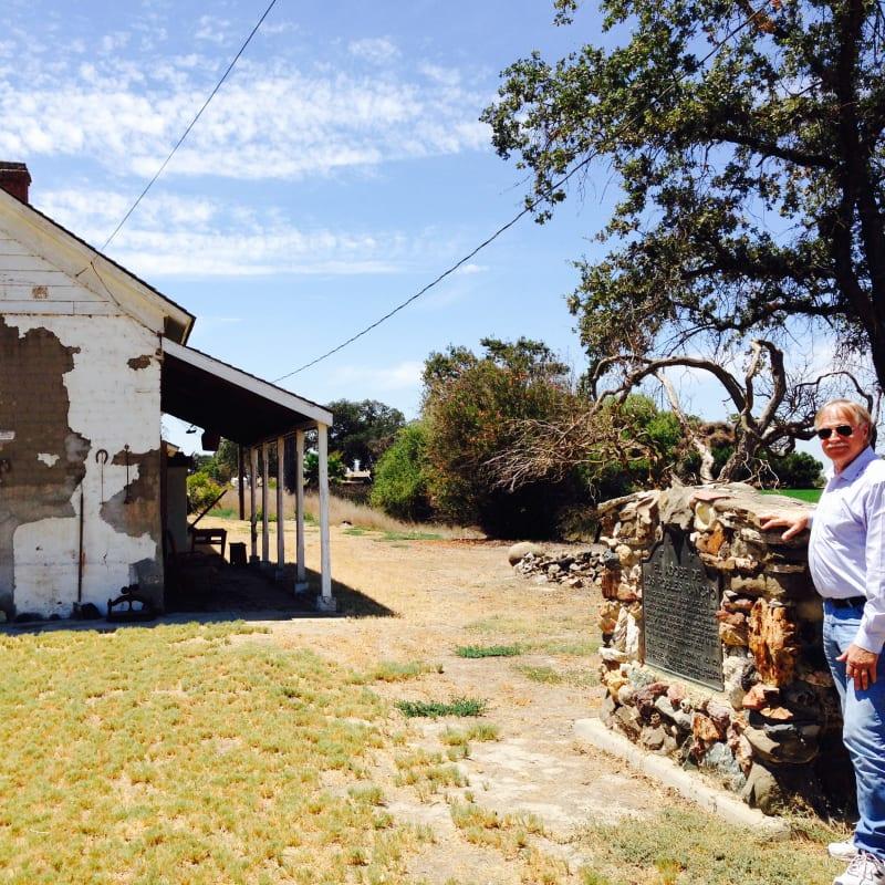 CHL #206  El Adobe de los Robles Rancho Marker