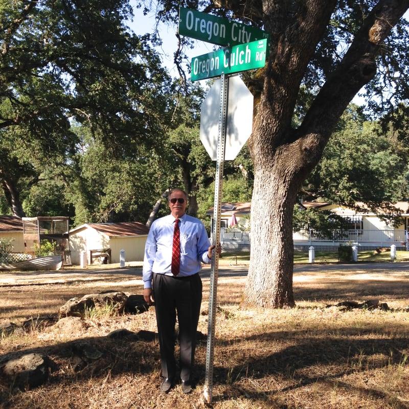 NO. 807 OREGON CITY - Oregon Gulch Road at Oregon City Trail