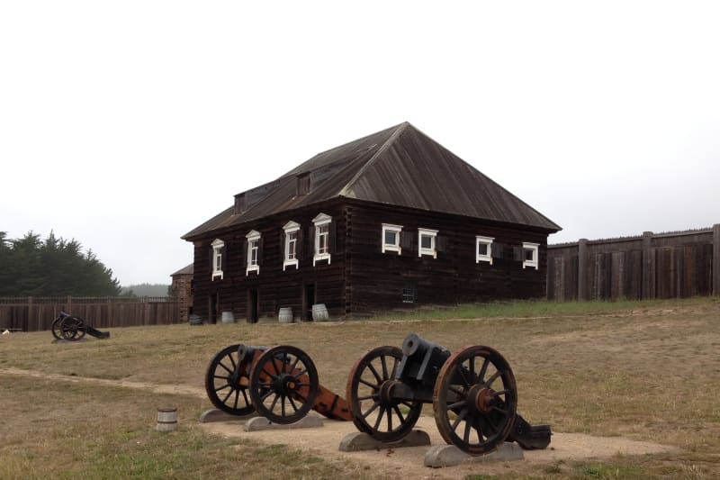 NO. 5 FORT ROSS - Canons in front of the Kuskov House