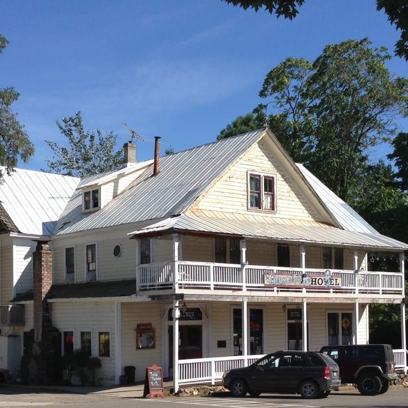 NO. 484 GEORGETOWN - Georgetown Hotel
