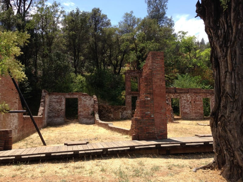 NO. 77 OLD TOWN OF SHASTA - ruins
