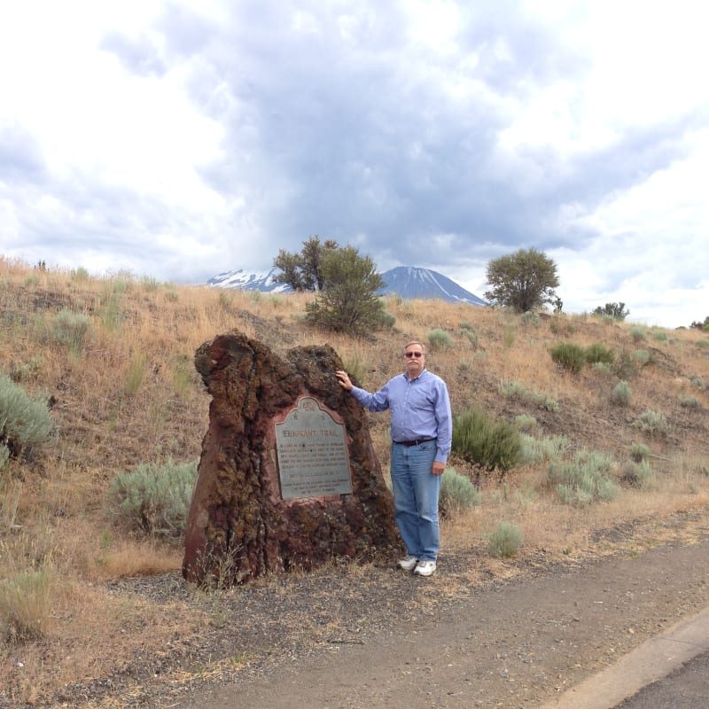 NO. 517 EMIGRANT TRAIL CROSSING OF PRESENT HIGHWAY - Marker