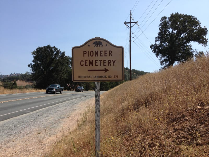 NO. 271 PIONEER CEMETERY - Street Sign