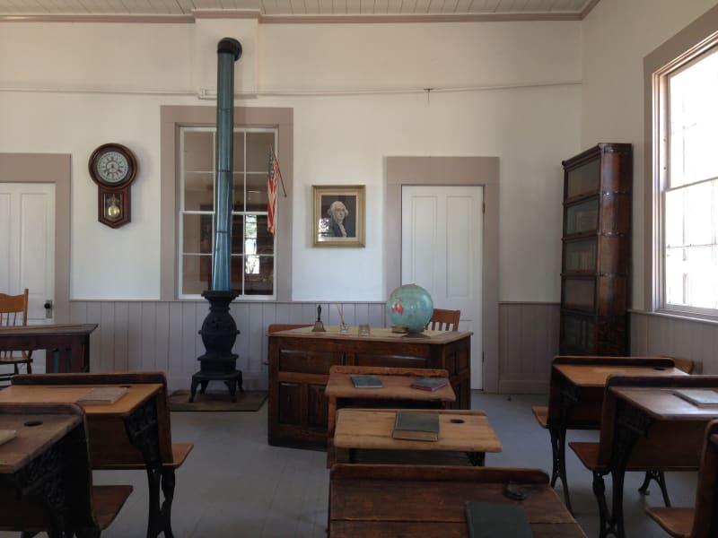 NO. 499 RED BRICK GRAMMAR SCHOOL - Interior