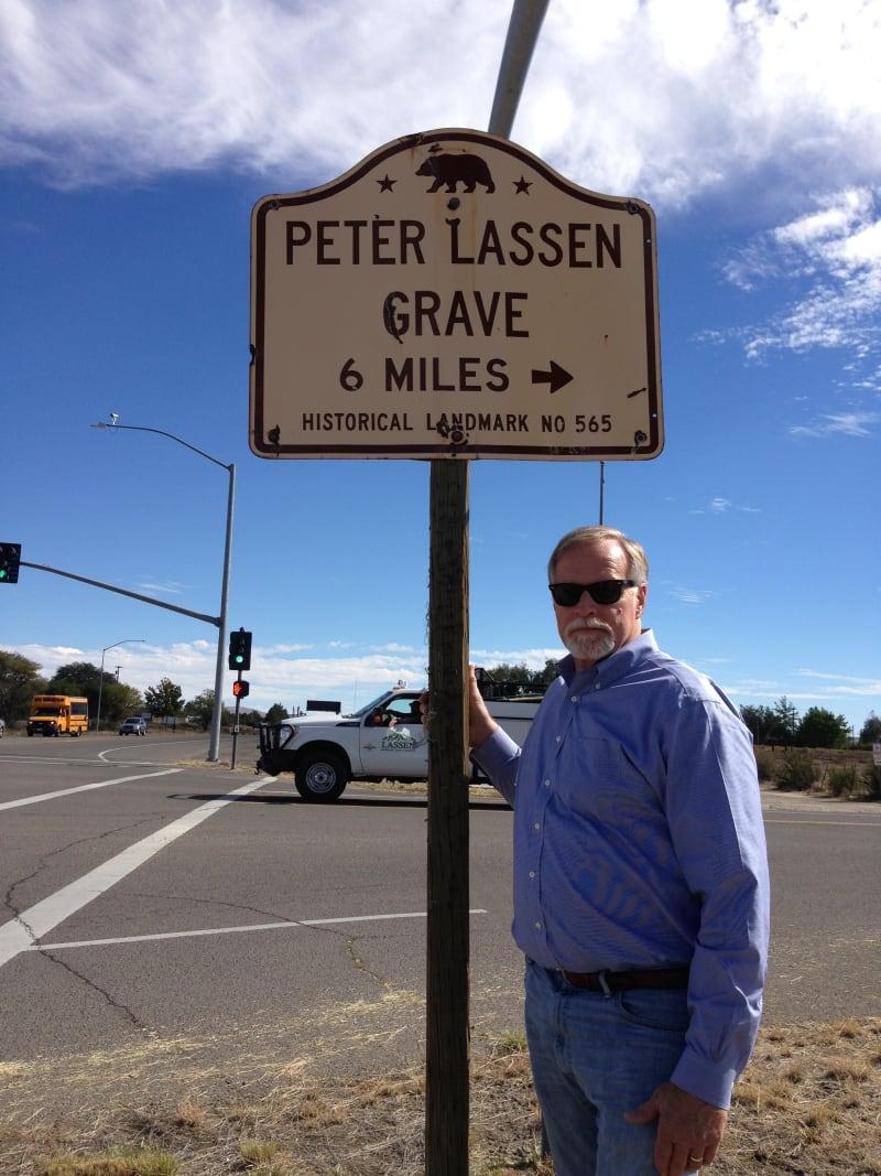 NO. 565 PETER LASSEN GRAVE - Street sign