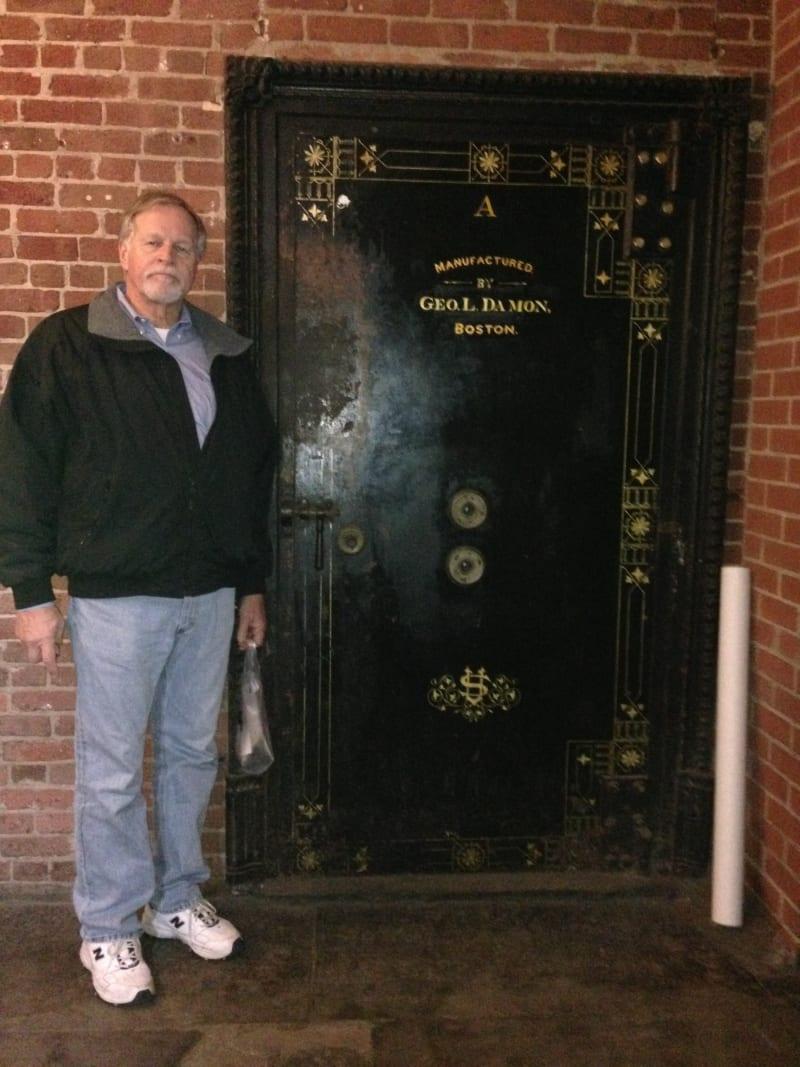 NO. 875 OLD UNITED STATES MINT – Vault door