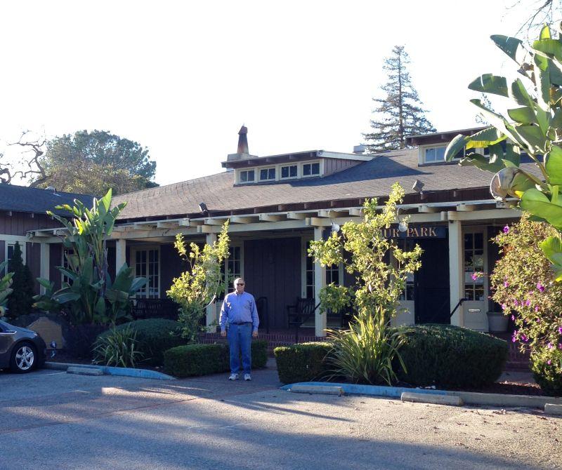 CHL #895 Hostess House