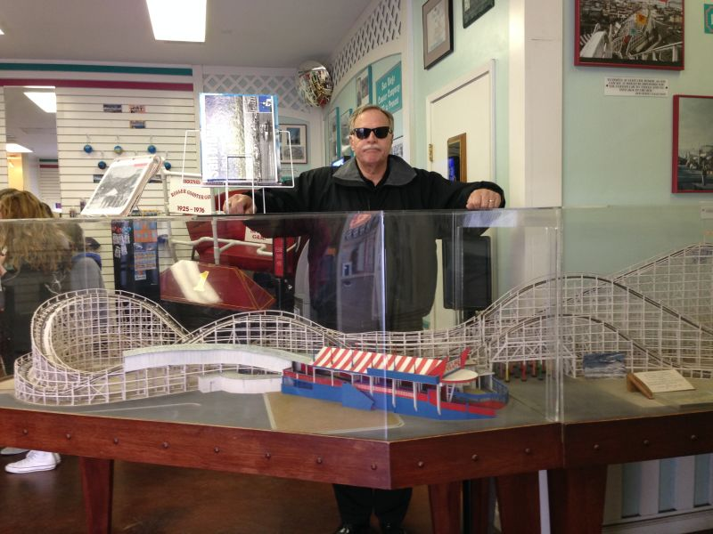 NO. 1044 Giant Dipper Roller Coaster - Scale model