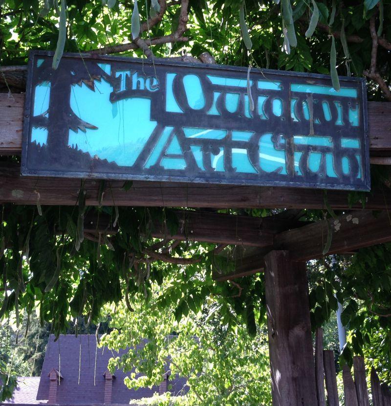 entranceNO. 922 OUTDOOR ART CLUB -