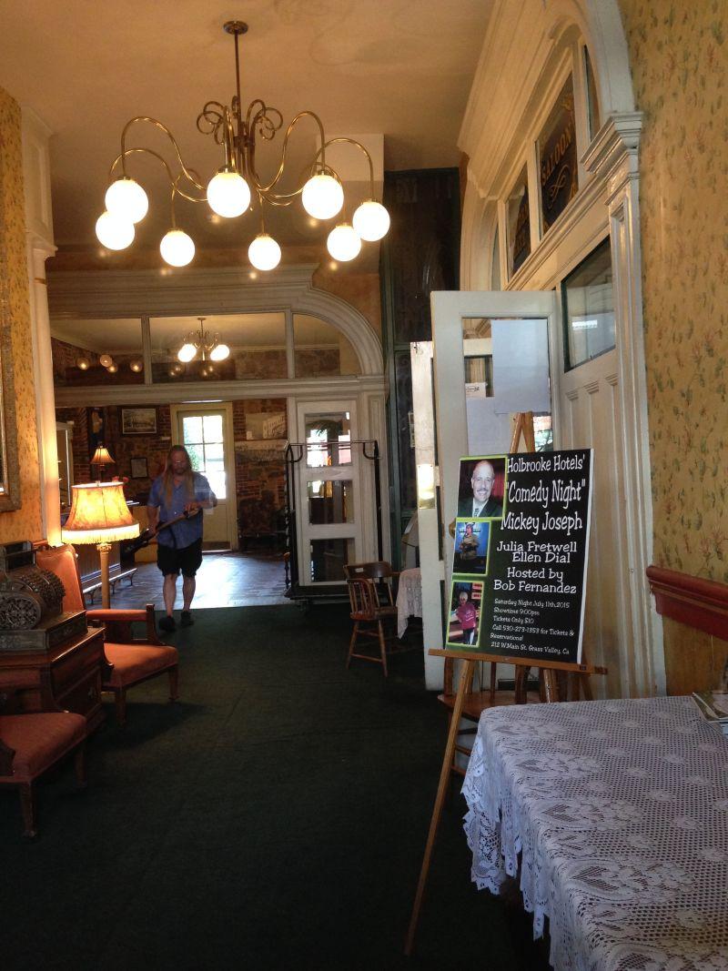 NO. 914 HOLBROOKE HOTEL - Interior