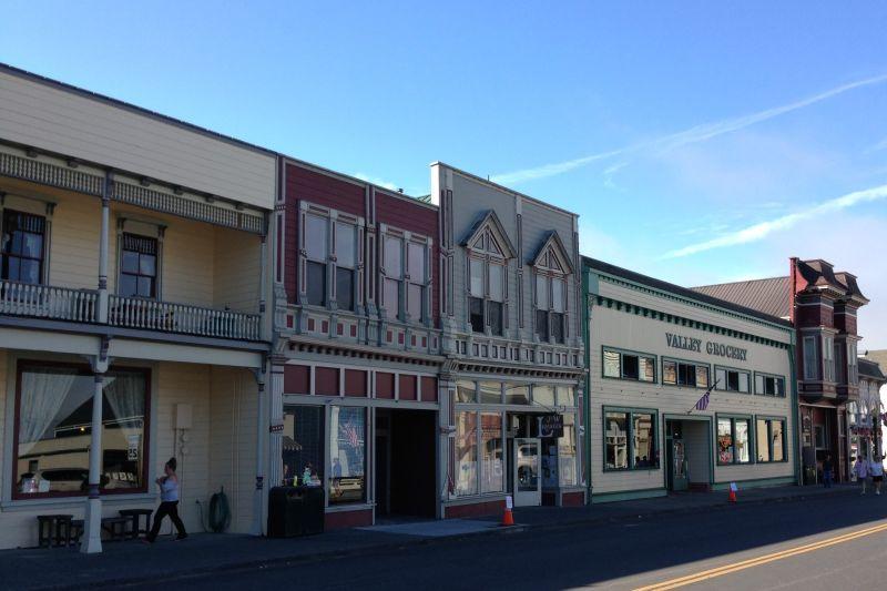 NO. 883 FERNDALE - Main Street