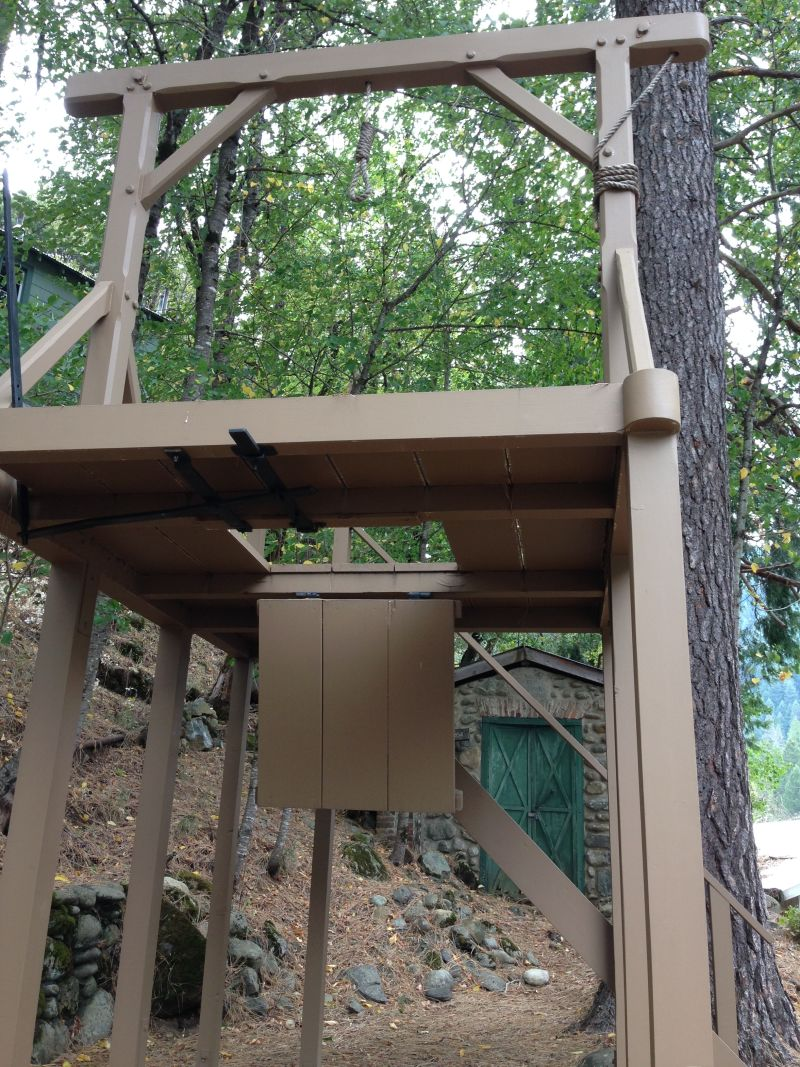 NO. 971 SIERRA COUNTY SHERIFF'S GALLOWS - Gallows